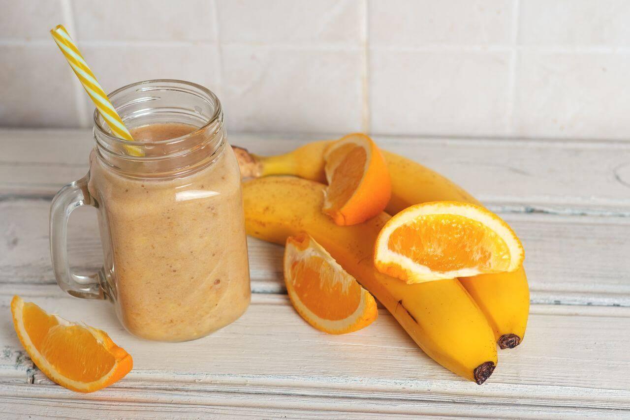 Смузи с бананом – 12 рецептов для блендера