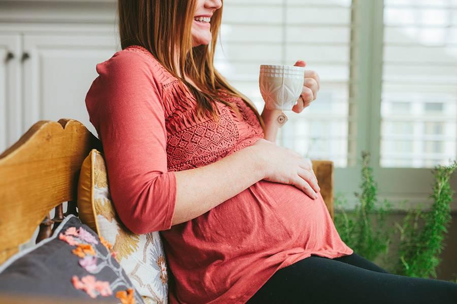 Вниманию будущих мам: можно ли беременным кофе с молоком? польза и вред, варианты замены