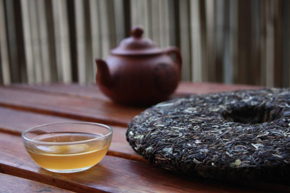 Чай пуэр - полезные свойства и противопоказания