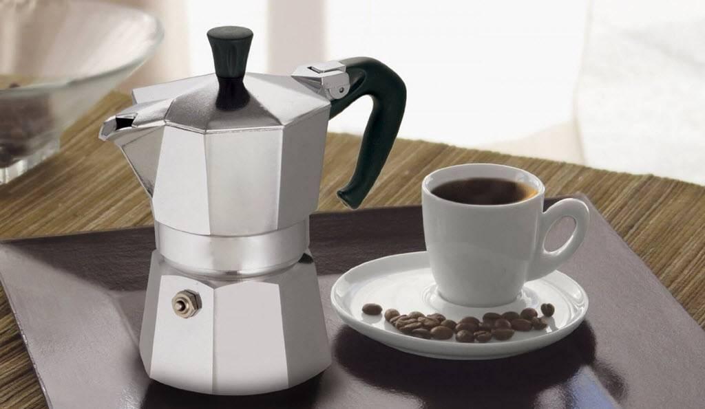 Плюсы и минусы разных типов кофеварок для молотого кофе: особенности выбора