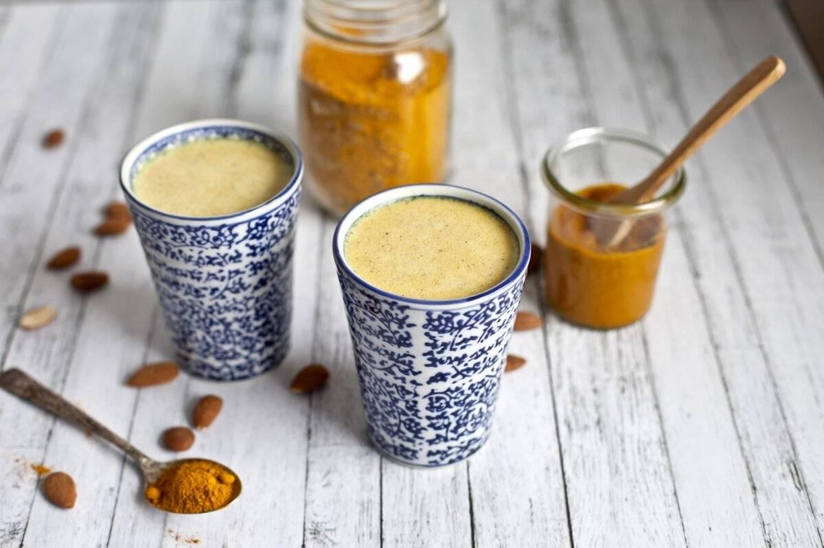 Кофе с куркумой: полезные свойства, рецепт напитка с черным перцем