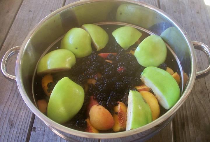 Яблочный сок на зиму через соковыжималку рецепт с фото пошагово - 1000.menu