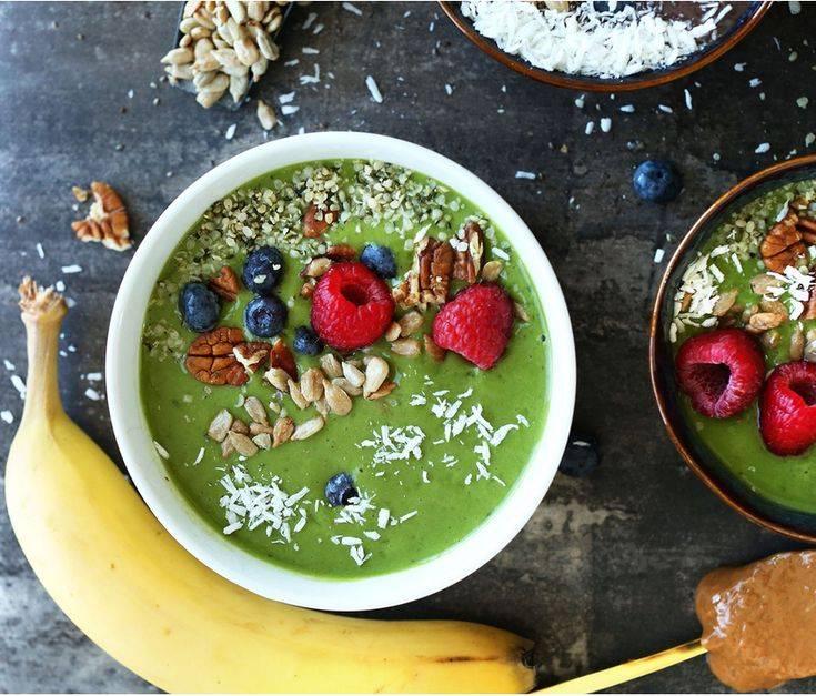 Smoothie bowls: 6 самых модных и полезных рецептов завтрака