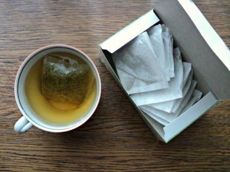 Крепкий чай при поносе: черный, зеленый, помогает ли и какой чай пить от диареи у взрослого – с сахаром или без