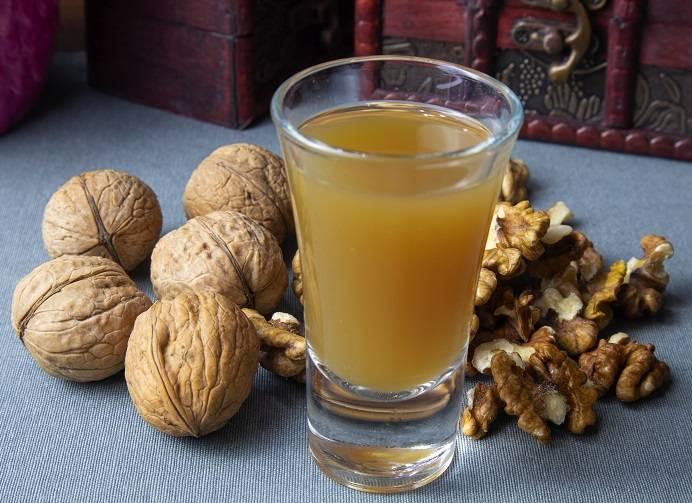Перегородки грецкого ореха и его лечебные свойства