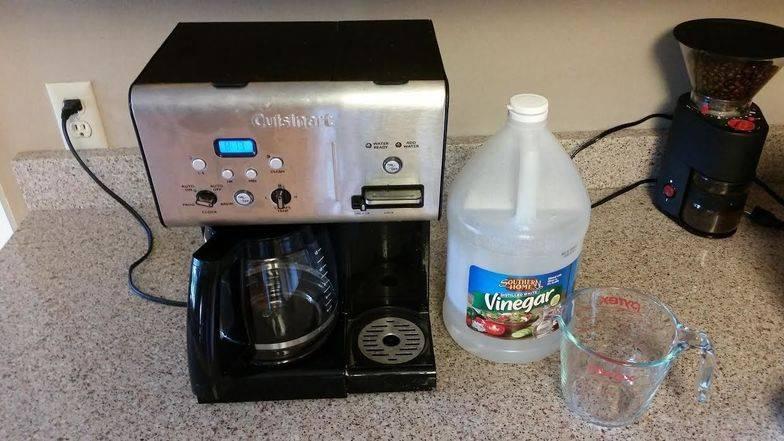 Декальцинация кофемашины: понятие, периодичность, выбор средств