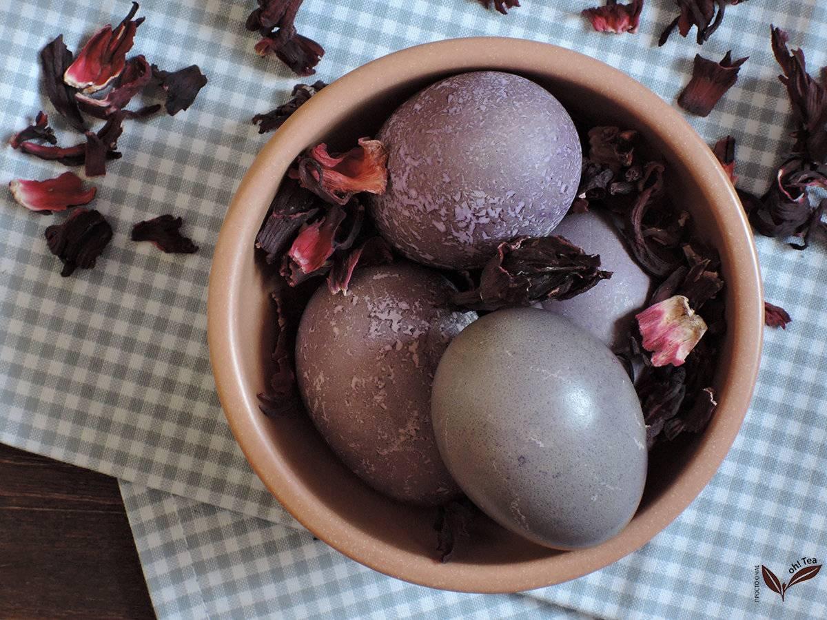 Как красить яйца чаем каркаде. как правильно красить яйца чаем и кофе