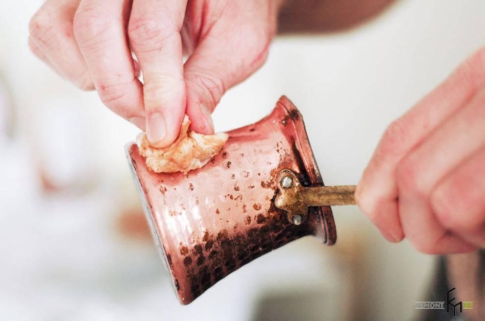 Как очистить турку от накипи