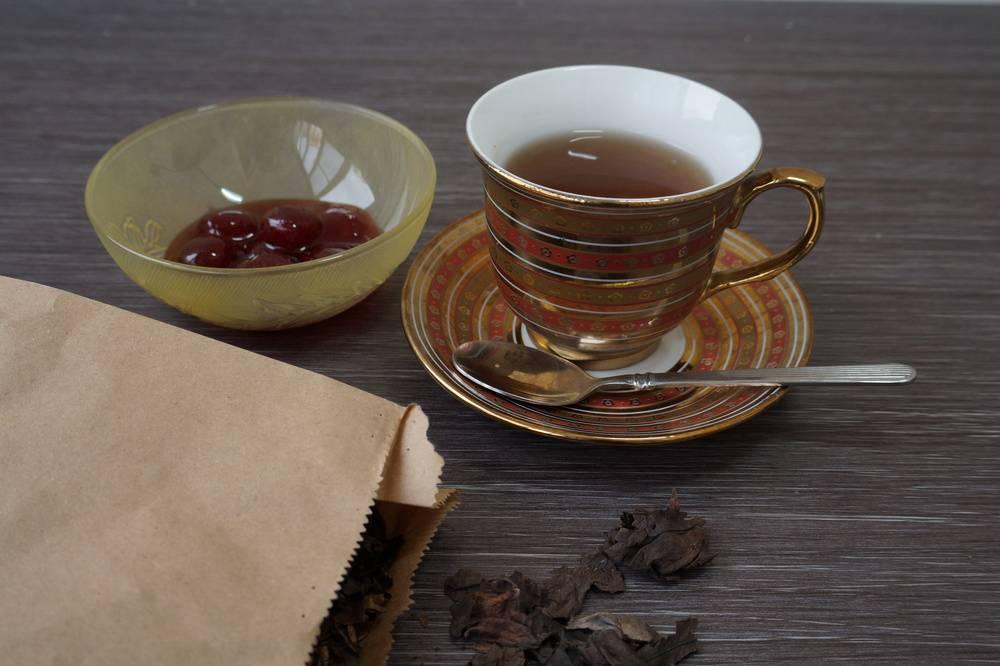 Чай из листьев бадана: польза и вред, лечебные свойства и противопоказания, как приготовить в домашних условиях, когда собирать и как сушить