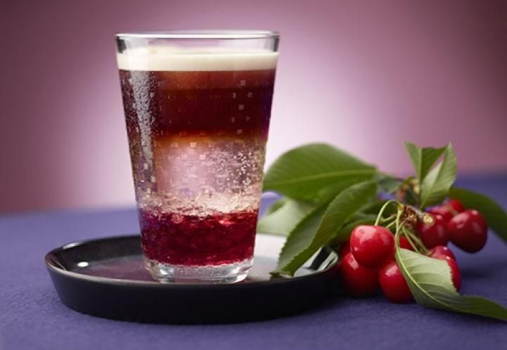 Кофейный коктейль с вишней