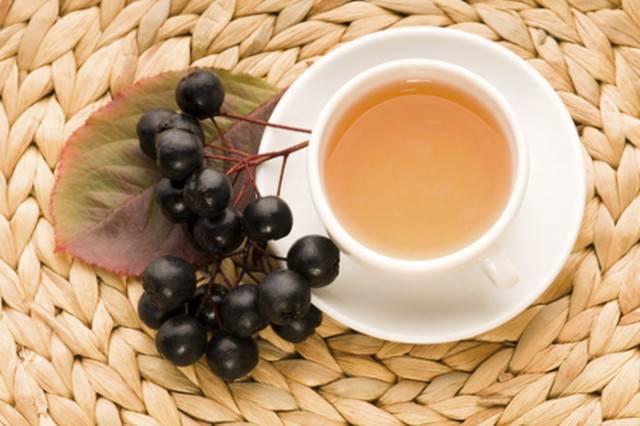 Черноплодная рябина: основные лечебные свойства и противопоказания