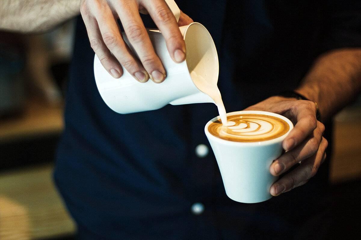 С чем пьют кофе? | все о кофе