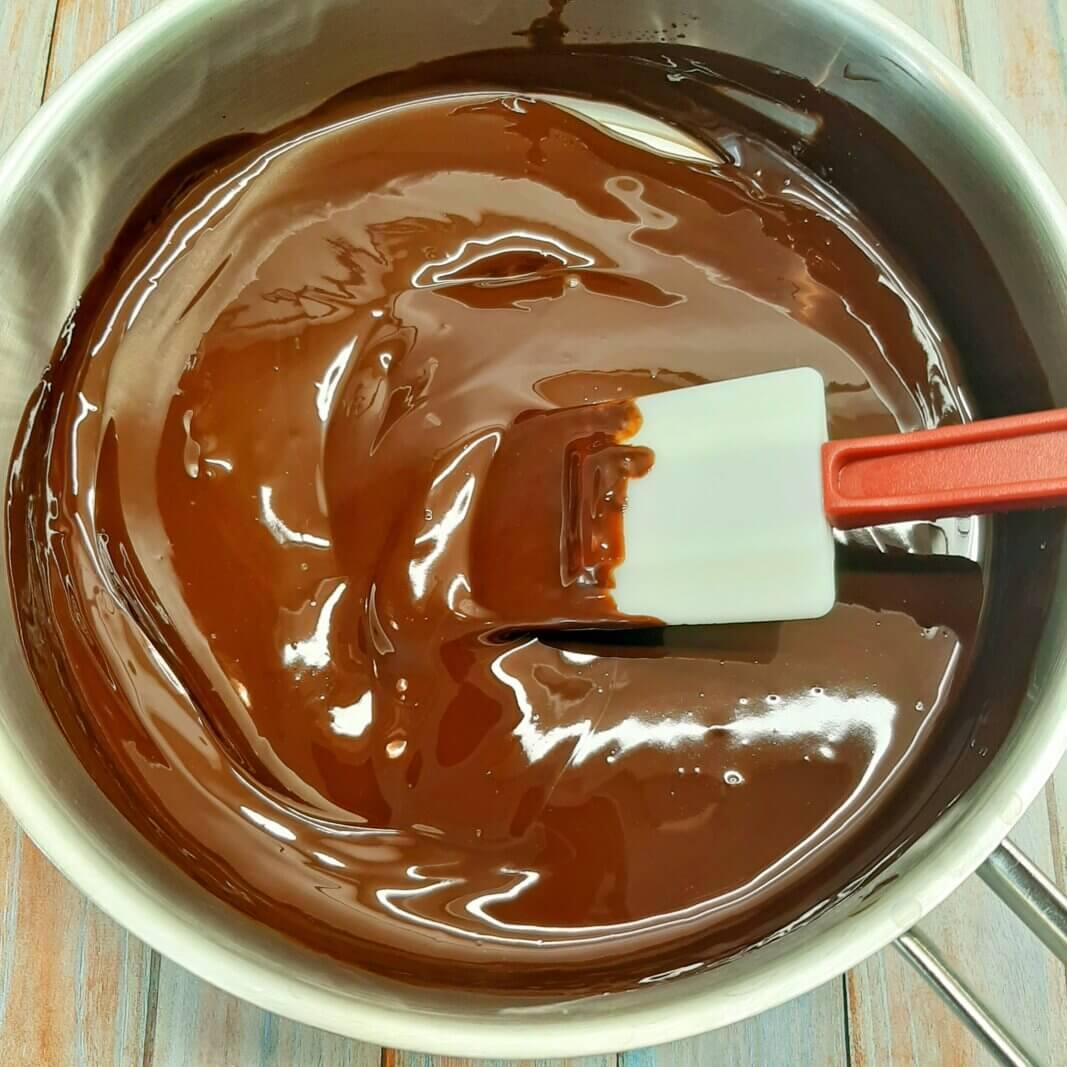 Шоколадная помадка из какао для торта: рецепт – как сделать в домашних условиях