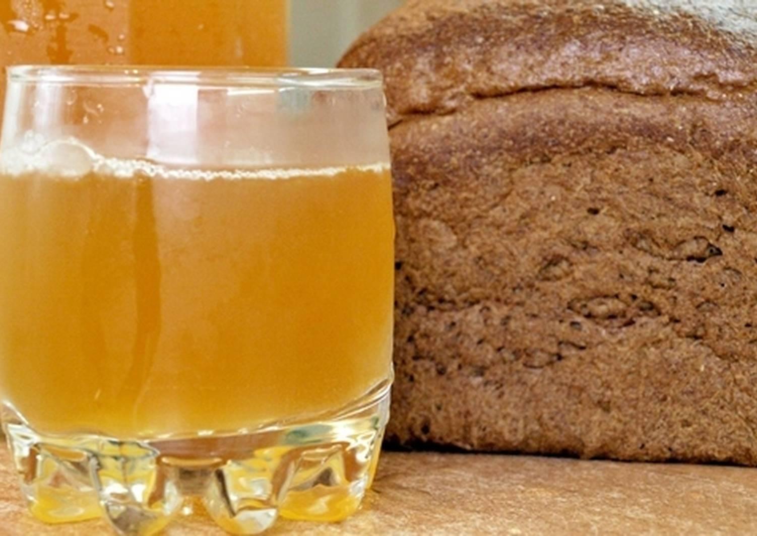 Домашний квас из ржаного черного хлеба