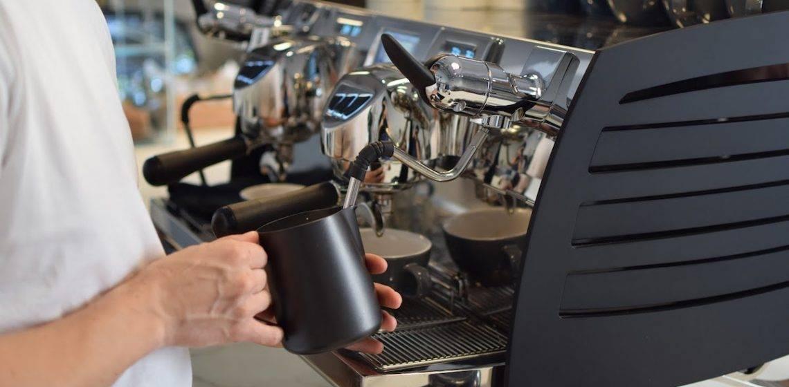 Как выбрать кофемашину для кофейни: делаем правильный выбор с chip.ru