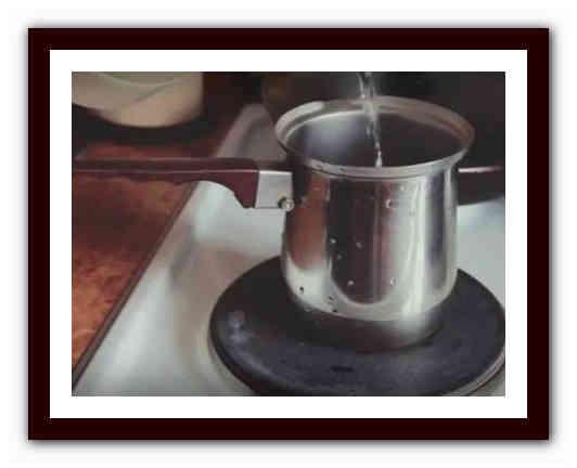 3 идеи как варить кофе в кастрюле в походе и дома
