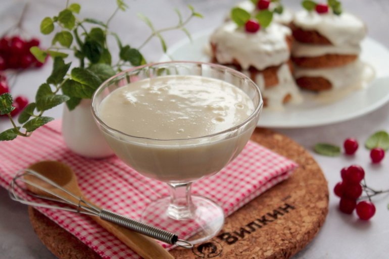 Десерт со сметаной: варианты приготовления, вкусные рецепты и необходимые ингредиенты