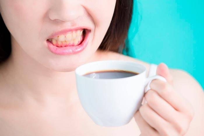 Желтеют ли зубы от кофе