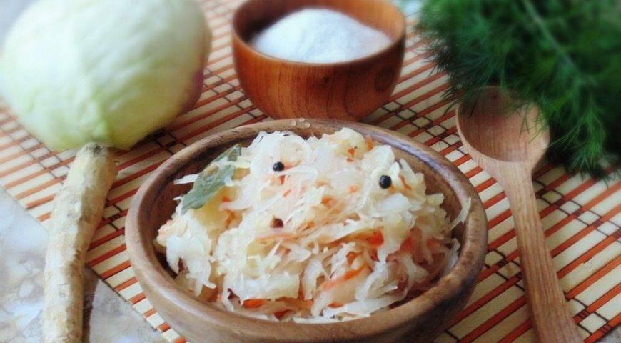 Капустный квас: рецепты (классический, по фролову и другие), польза напитка из капусты