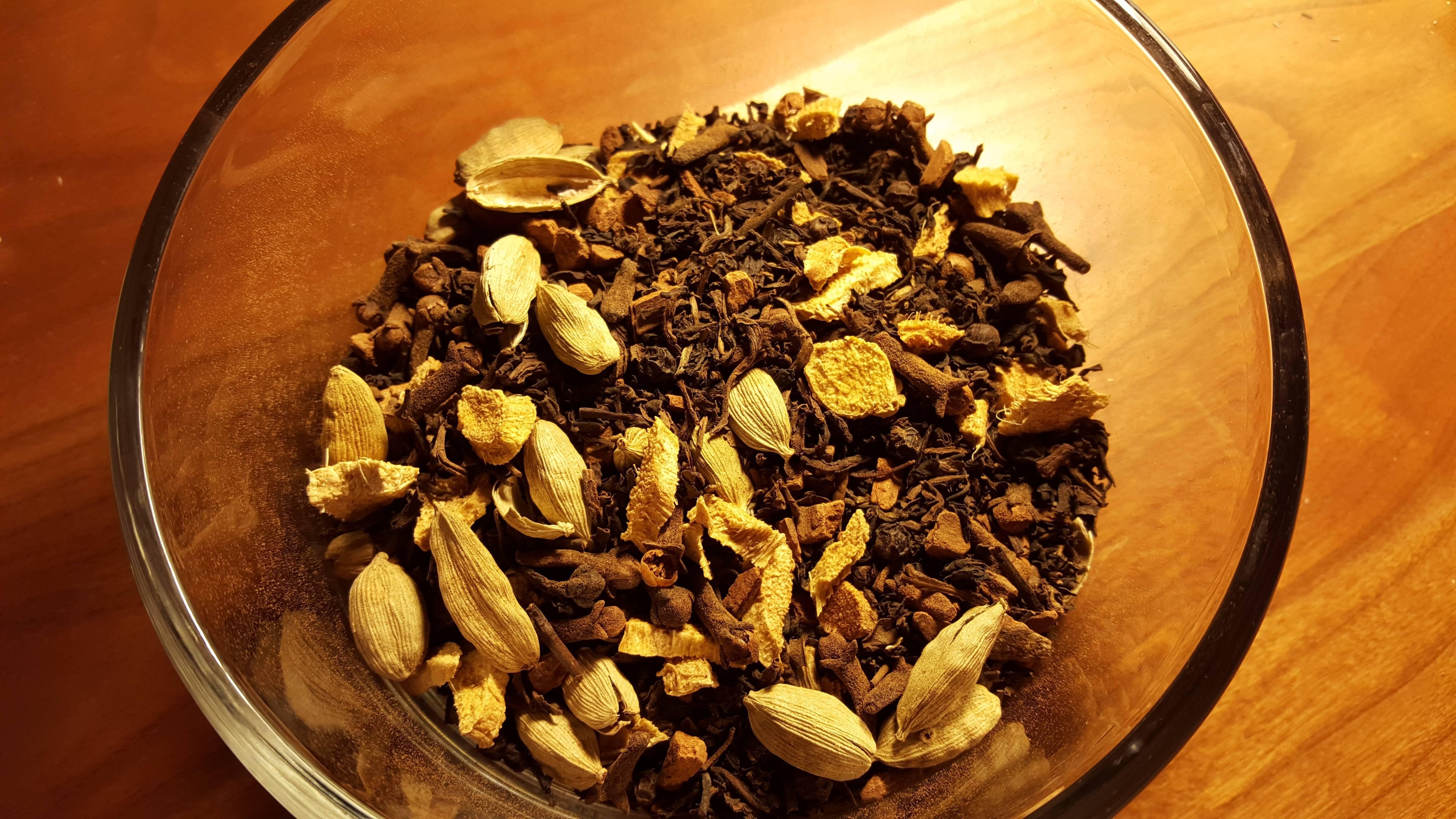 Кардамон в чай насыпай и здоровья прибавляй