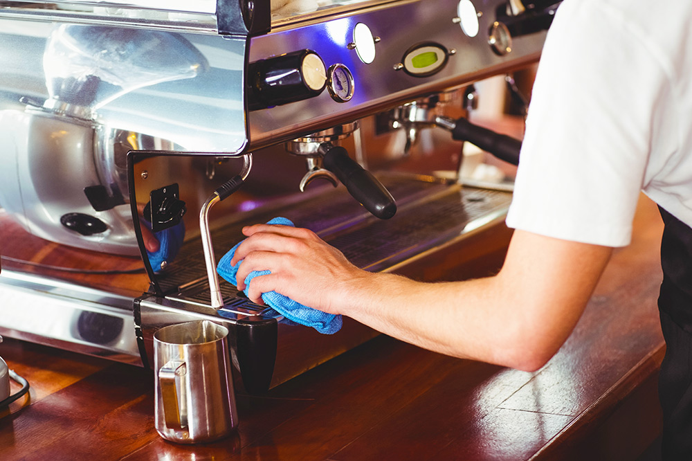 Как правильно делать чистку кофемашины: когда и как, что необходимо очищать и как часто, какое средство предпочесть, полезные советы и рекомендации