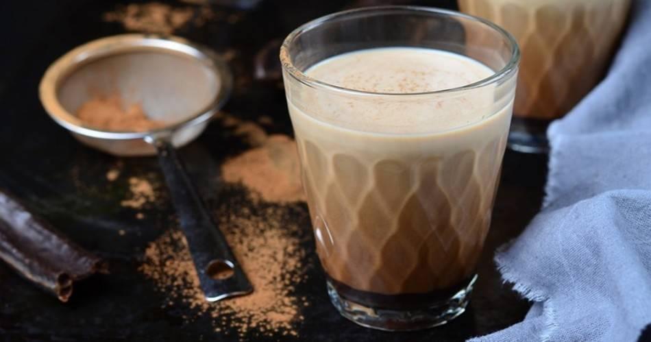 Полезен ли кофе с молоком и какой от него может быть вред?
