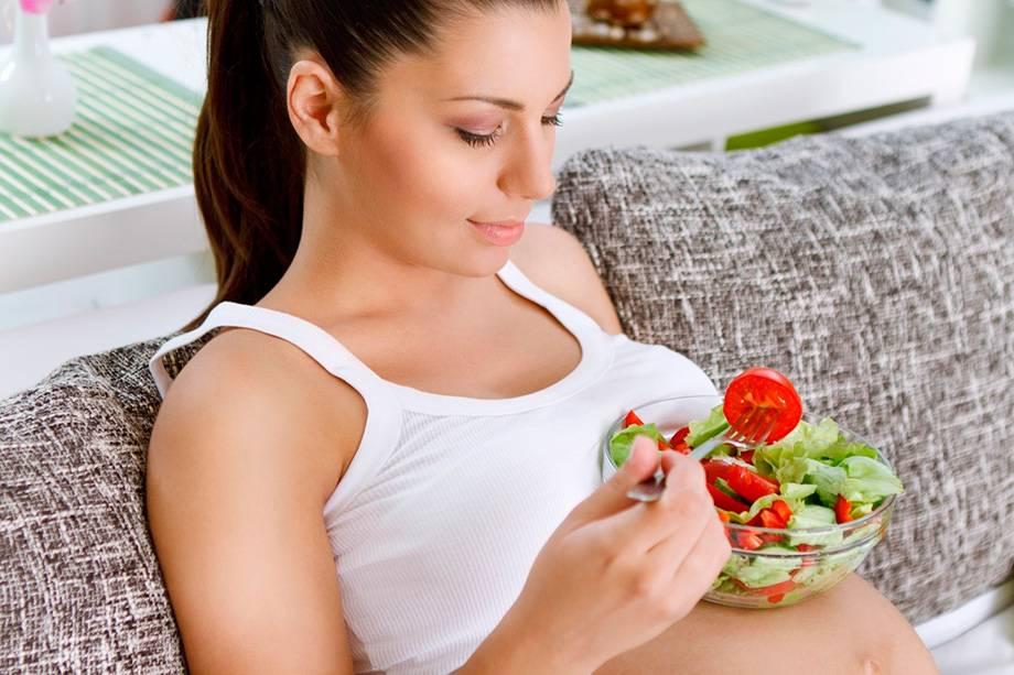 Каркаде при беременности: как правильно пить, можно ли, польза, вред и противопоказания, как будущей маме выбрать качественный продукт