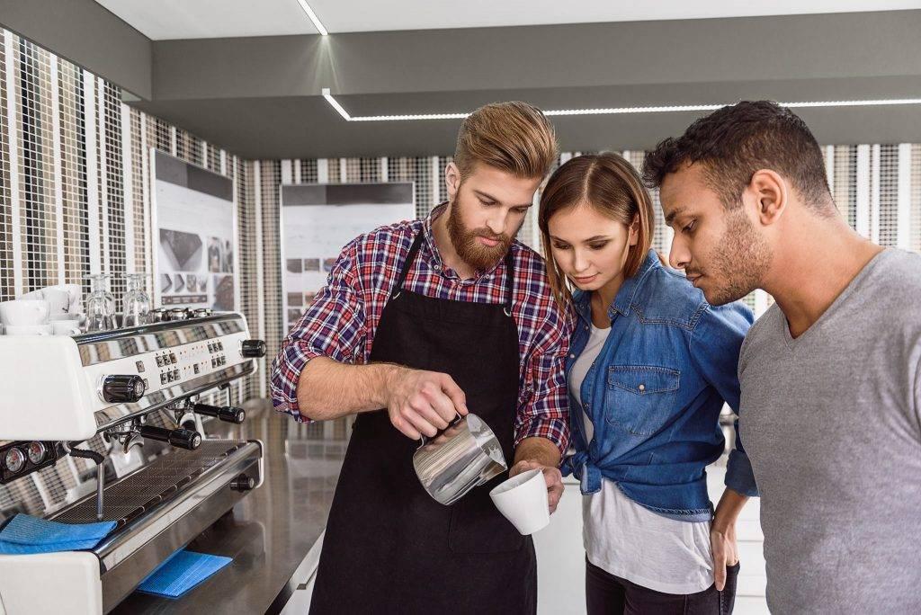 Профессия барбер: где учиться, зарплата, плюсы и минусы