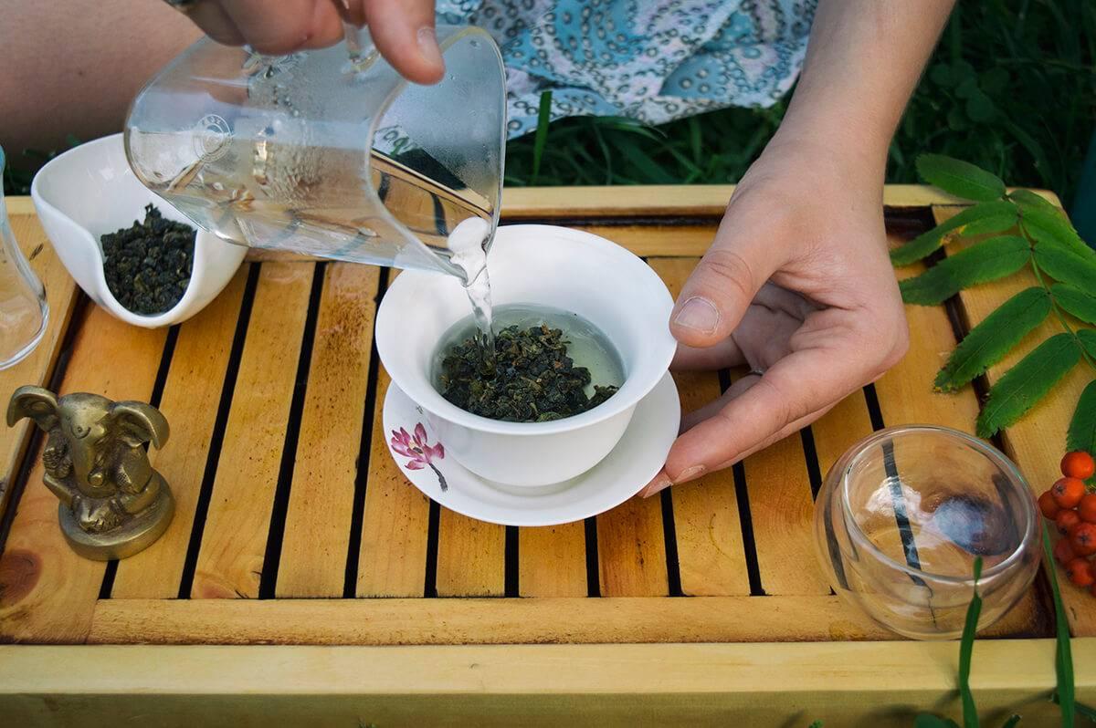 Как правильно промыть глаза чаем: рецепты применения
