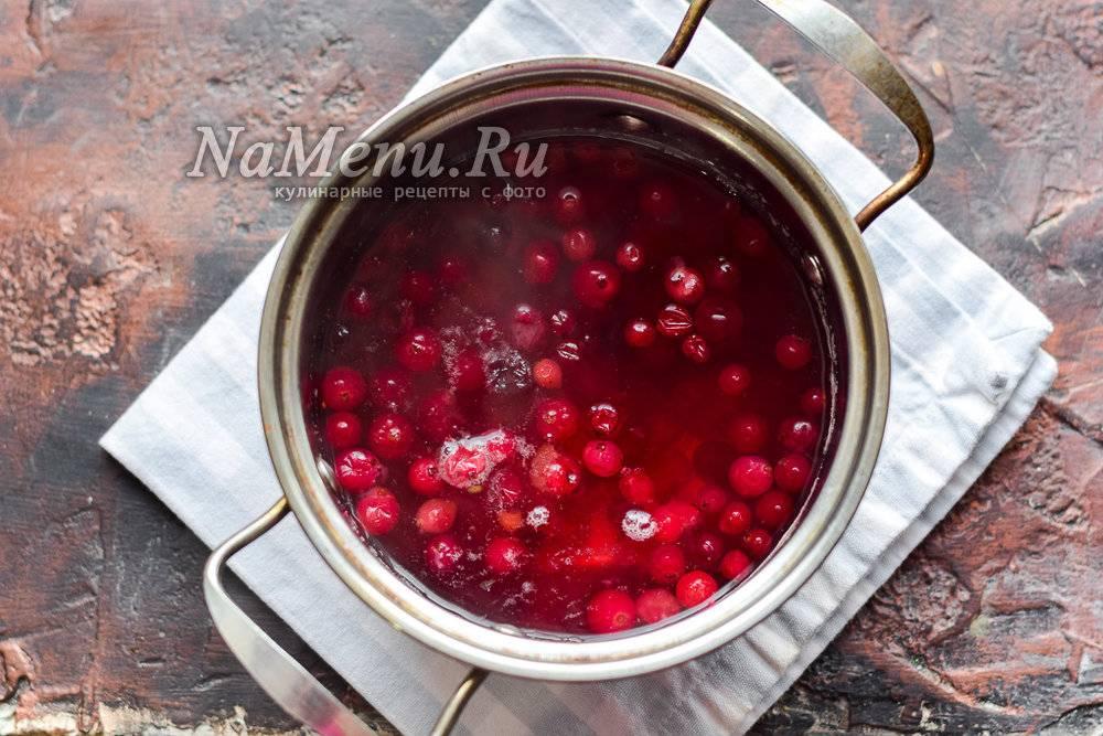 Компот из клюквы замороженной, свежей. рецепт на зиму на 1-2-3-литровую банку, как варить с яблоками, апельсином, лимоном