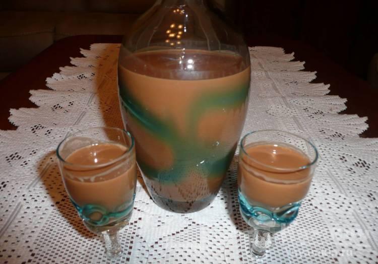 Как я готовлю дома сливочный ликер а-ля бейлиз: нужны сгущенка, кофе и водка