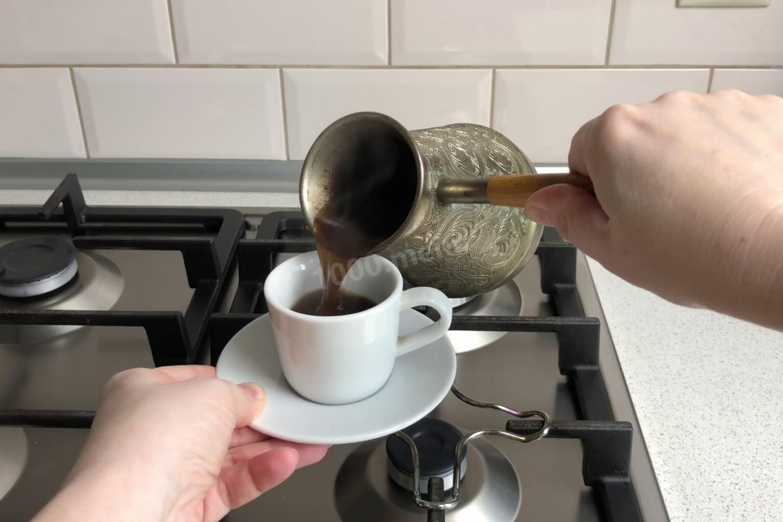 Как правильно сварить вкусный кофе в турке дома на плите: рецепты приготовления классического кофе по-турецки, с молоком и специями, с пенкой и шоколадом с фото и видео