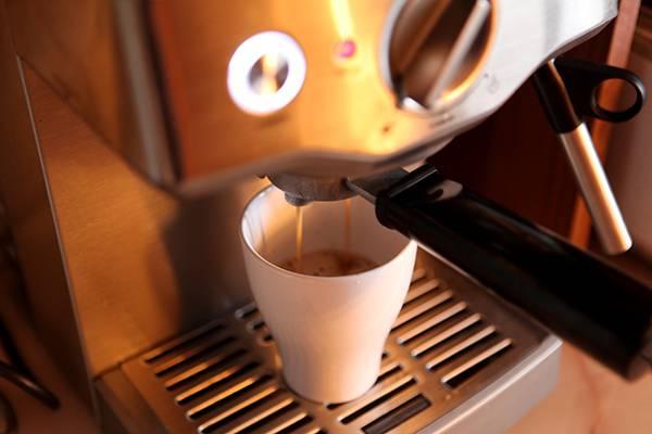 Как пользоваться гейзерной кофеваркой: рецепты приготовления кофе - qteck.ru