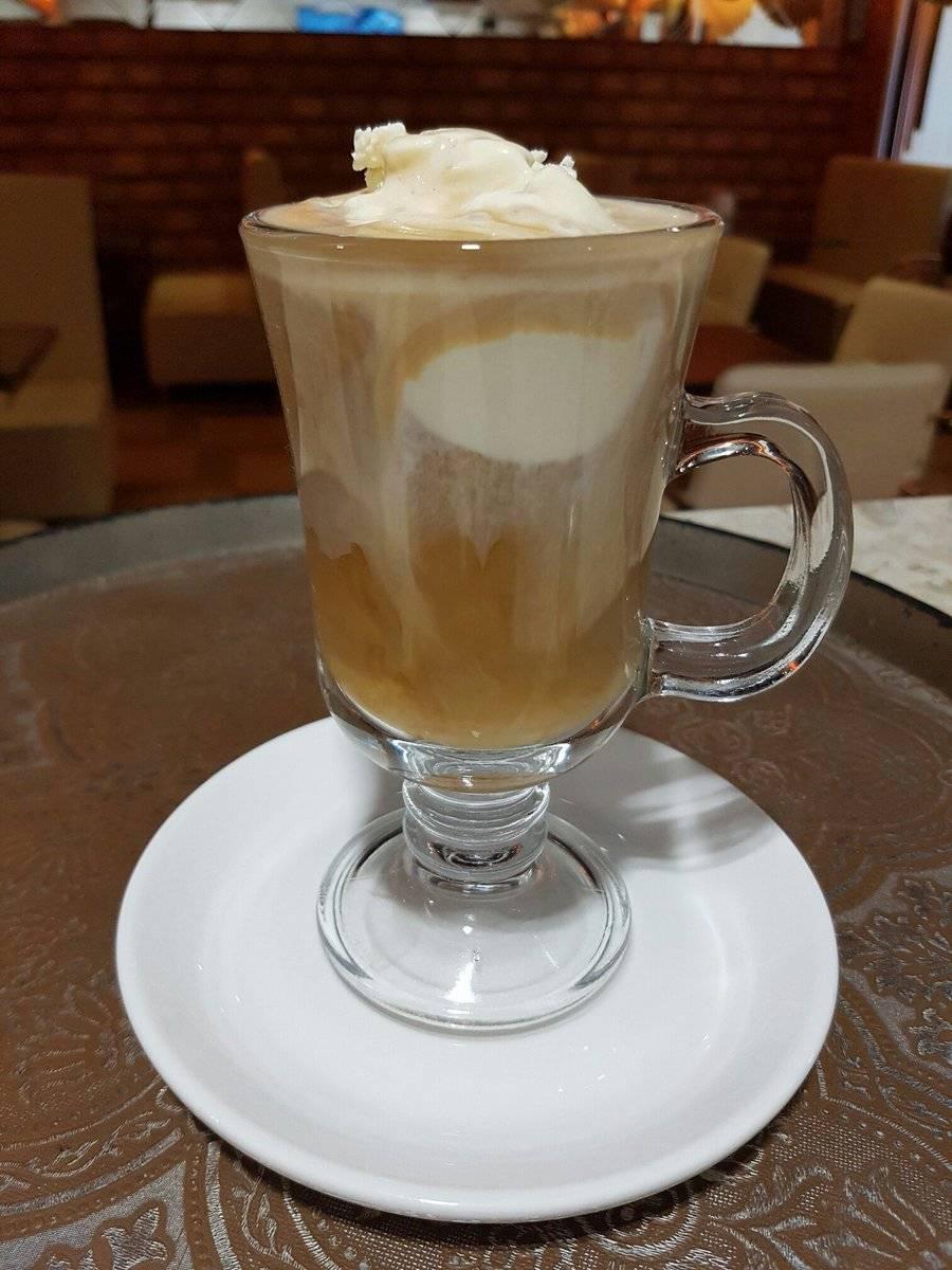 Кофе с мороженым: как называется, рецепты, калорийность, цены, отзывы