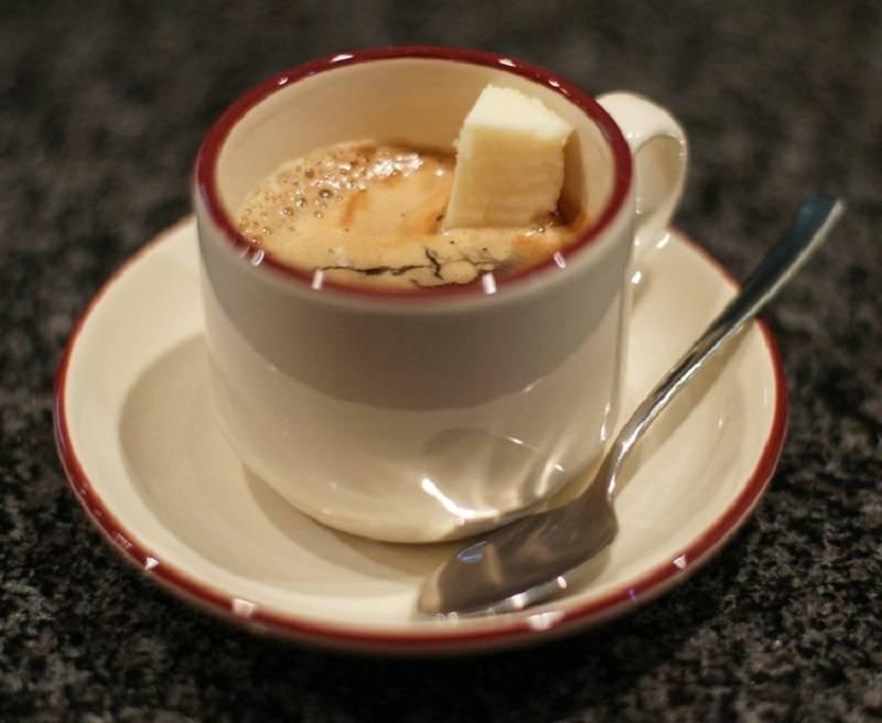 С чем пьют кофе – молоко, десерты и другие предпочтения