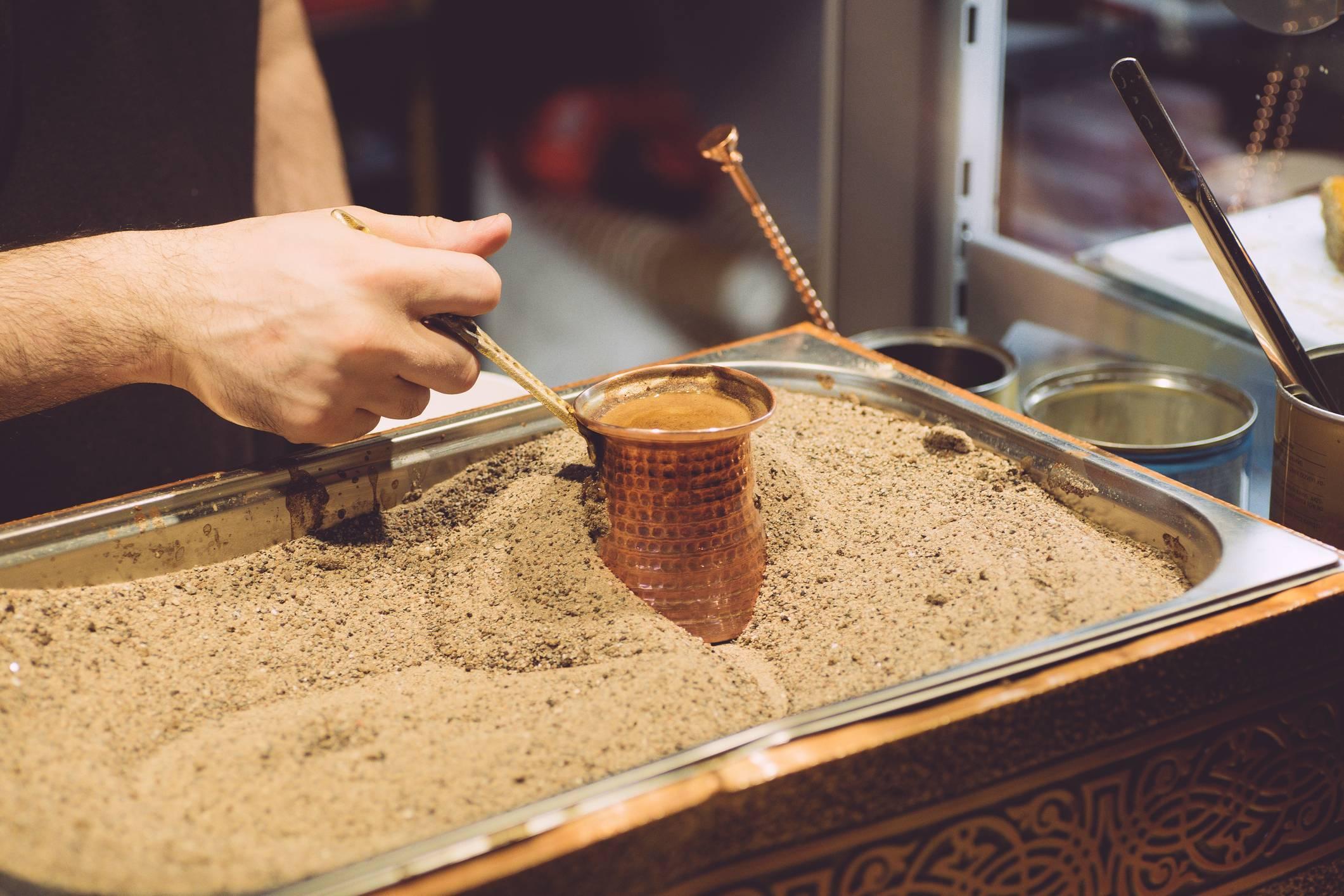 Как варить кофе в кастрюле на плите? как правильно сварить дома без турки молотый продукт, рецепт напитка