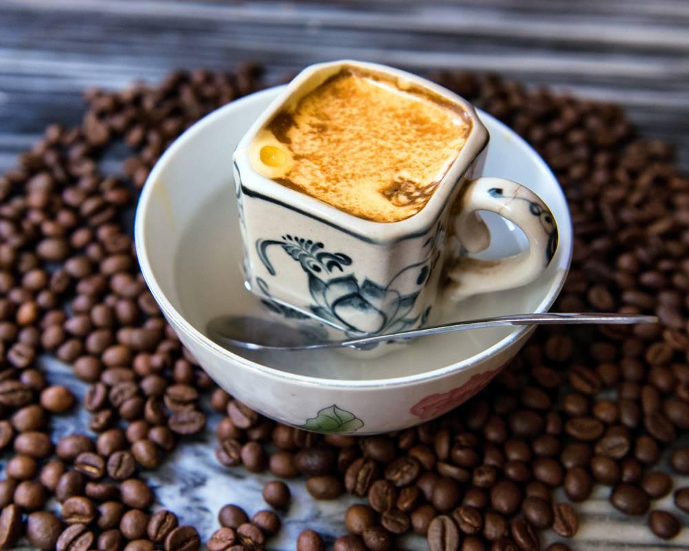 Кофе с яйцом - название, вкусно или нет, польза и вред, рецепты приготовления