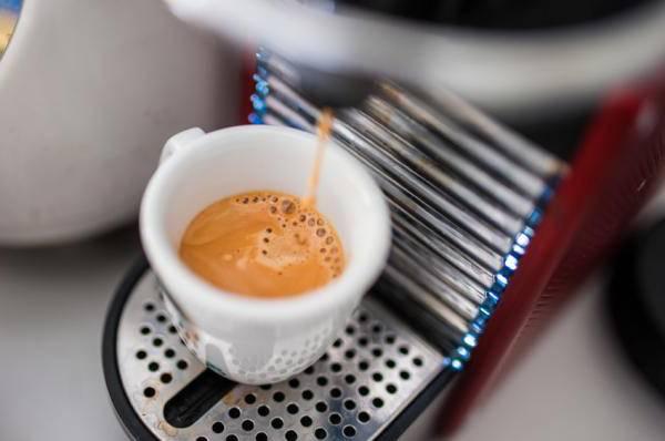 Почему кофе кислит: это хорошо или плохо, сорта кофе с кислинкой