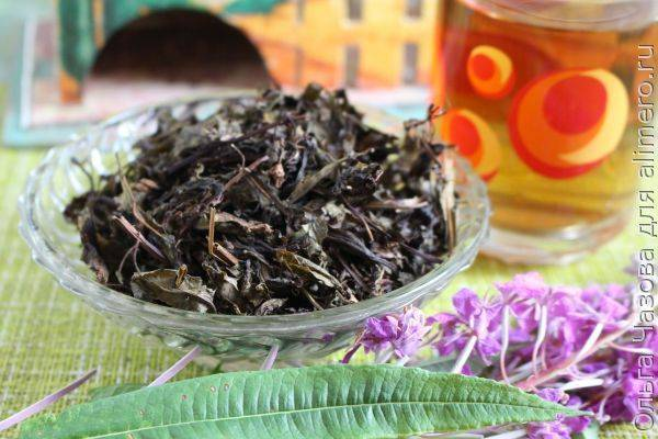Ферментированный чай из листьев садовых и диких растений в домашних условиях