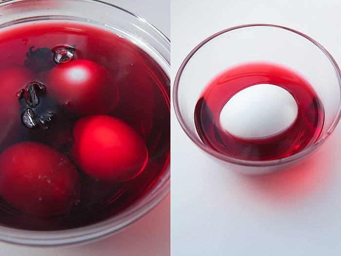 Как правильно красить яйца чаем и кофе. чем и как покрасить яйца на пасху — натуральные красители