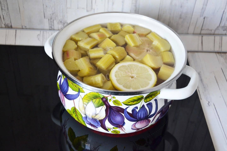 Как сварить компот из яблок в кастрюле или мультиварке