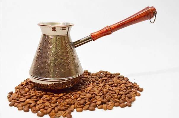 Как выбрать турку для кофе, какая лучше для варки: медная, латунная