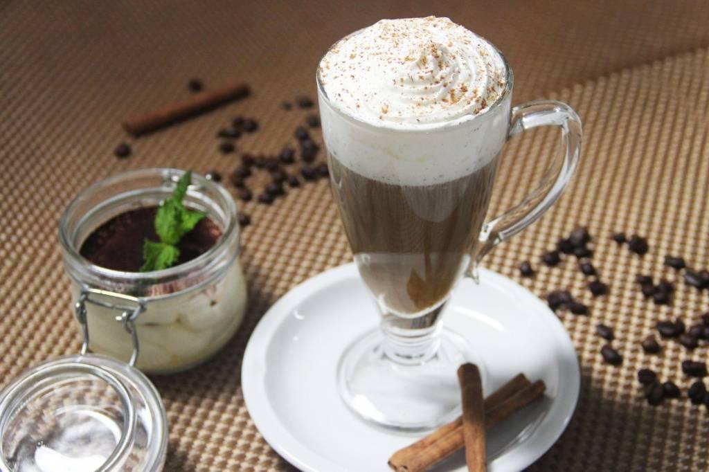 Белый кофе