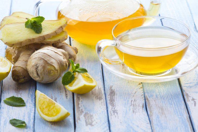 Какой чай помогает при поносе: зеленый, черный, из ромашки