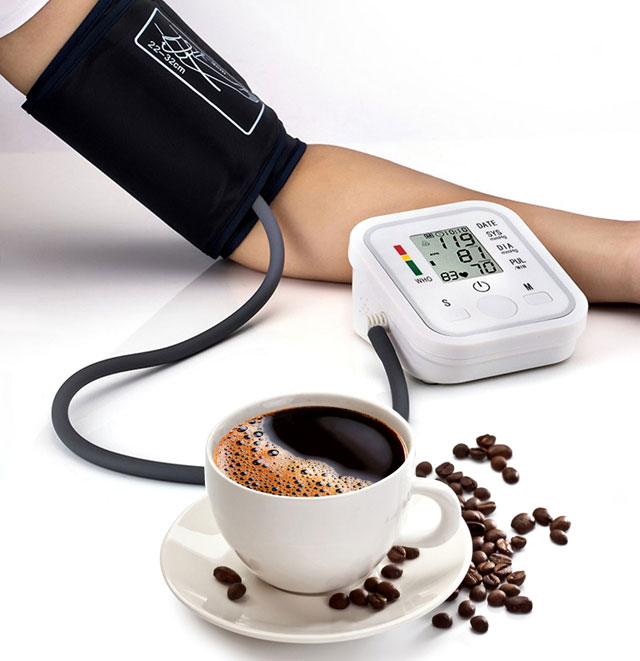 На сколько поднимает давление кофе | здоровье сердца
