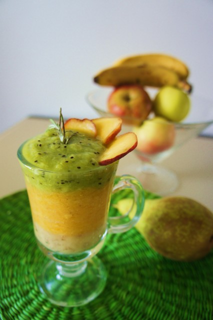 Рецепты смузи с сельдереем, яблоком и апельсином, киви, огурцом, бананом