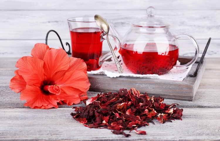 Чай с розой: полезные свойства королевы цветов. как заварить чай из розы с пользой для организма
