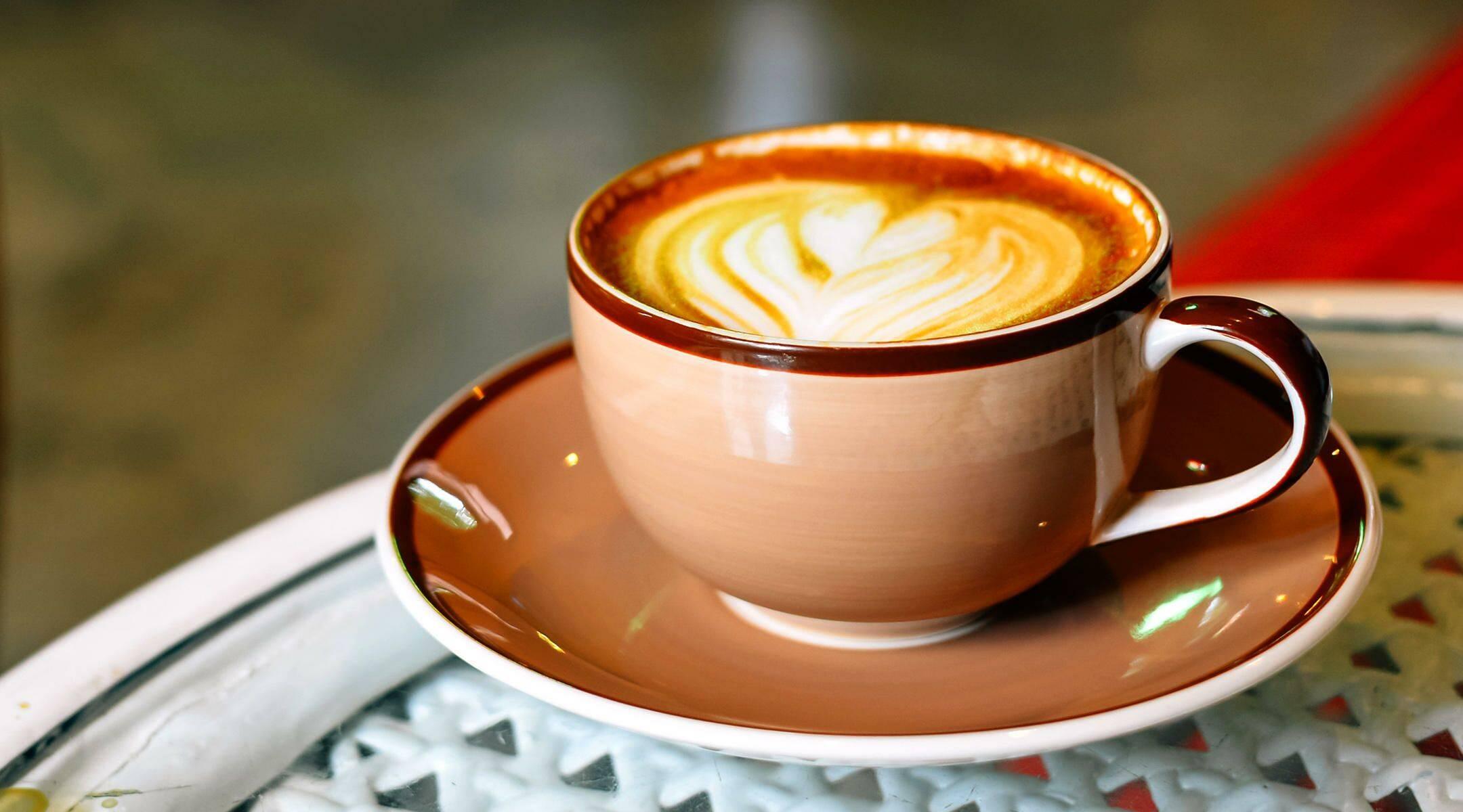Можно ли беременным пить кофе с молоком?