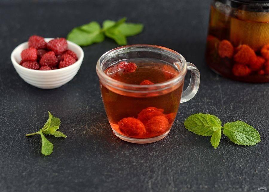 Чай из листьев малины: при простуде, во время беременности