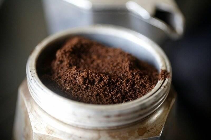 Какой кофе варят в турке - молотый или в зернах